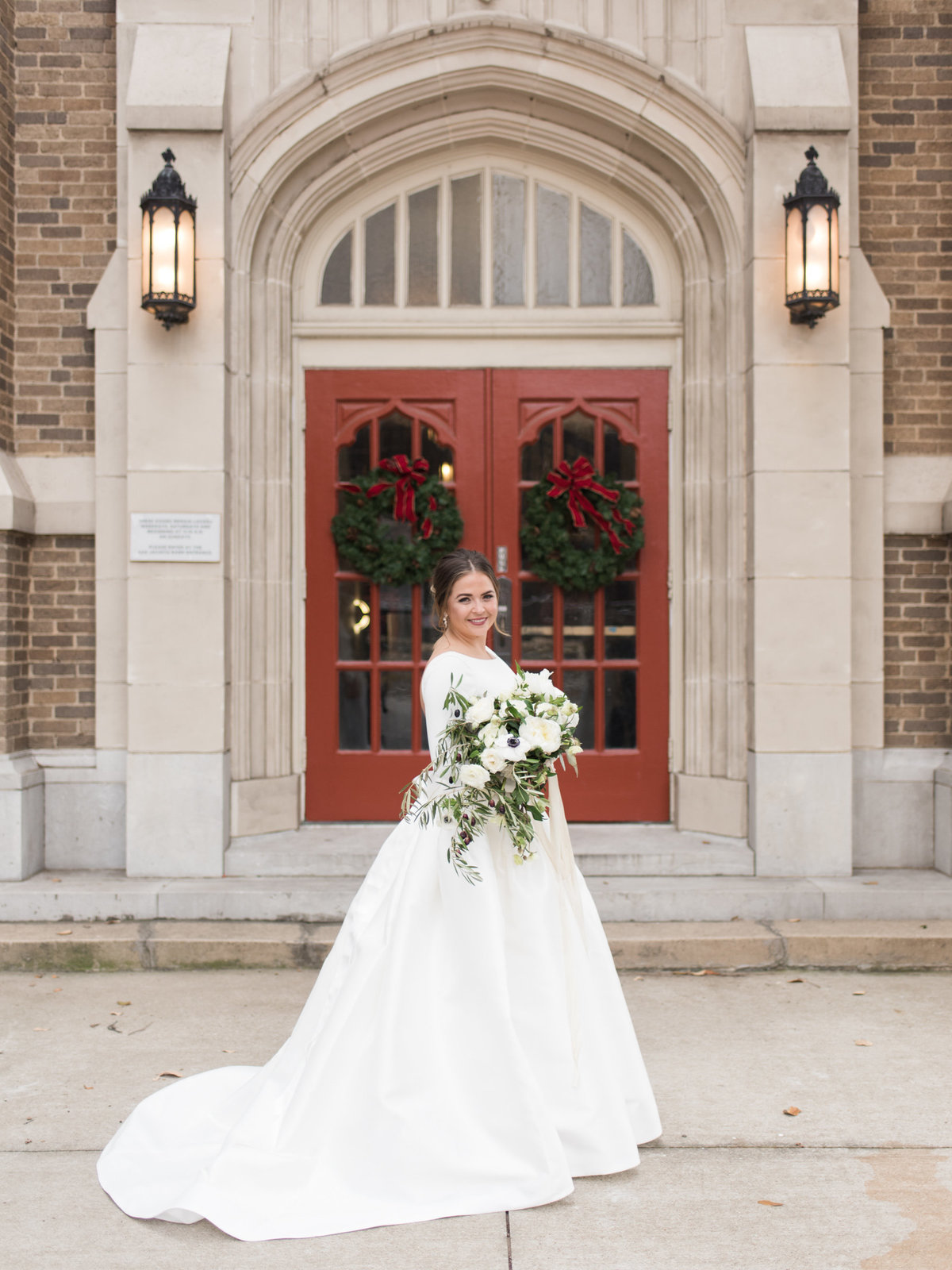 Courtney Hanson Photography - Festive Holiday Wedding in Dallas at Hickory Street Annex-0043