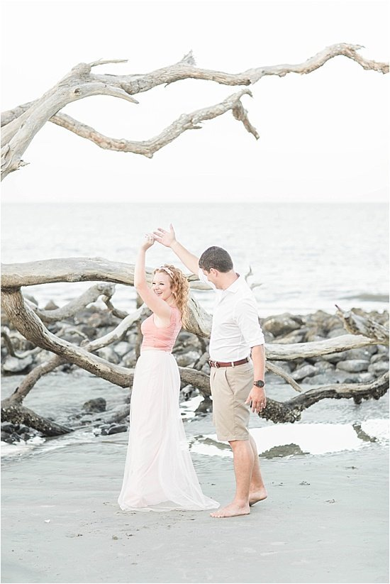 driftwood-beach-anniversary-photographer-jekyll-island-anniversary-photographer-lindsey-larue-photo