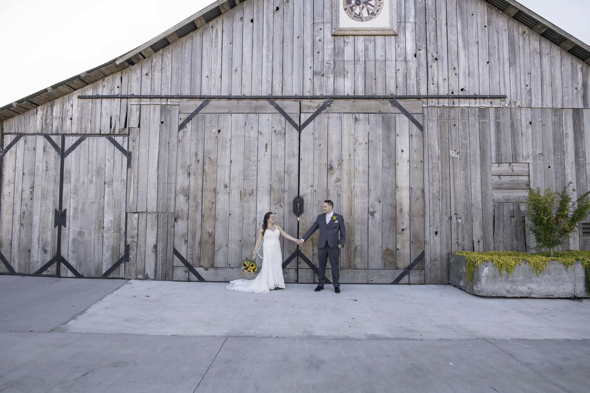 Redway-California-wedding-photographer-Parky's-PicsPhotography-Humboldt-County-Photographer-Barn-by-Fernbridge-Fernndale-CA-1.jpg