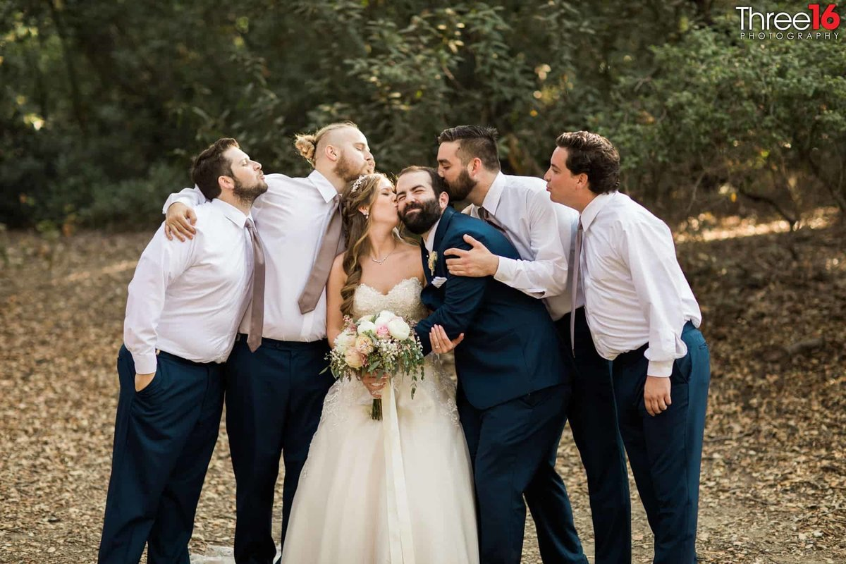 Oak Canyon Nature Center Wedding Anaheim California wedding photographer Ceremony Bride and Groom with Bridal Party Groomsmen_1