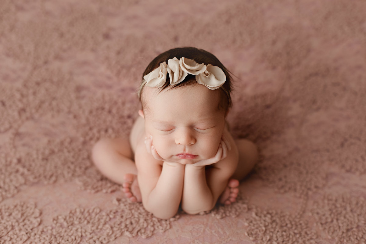 Froggy Newborn Pose