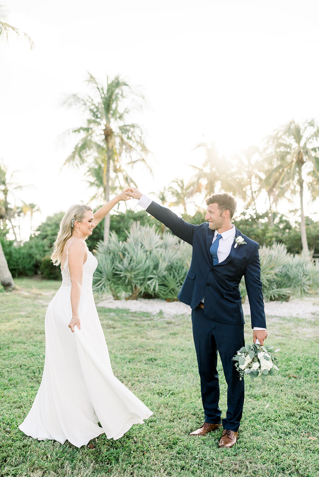 alex-mike-bowditch-beach-fort-myers-wedding-photos-1148