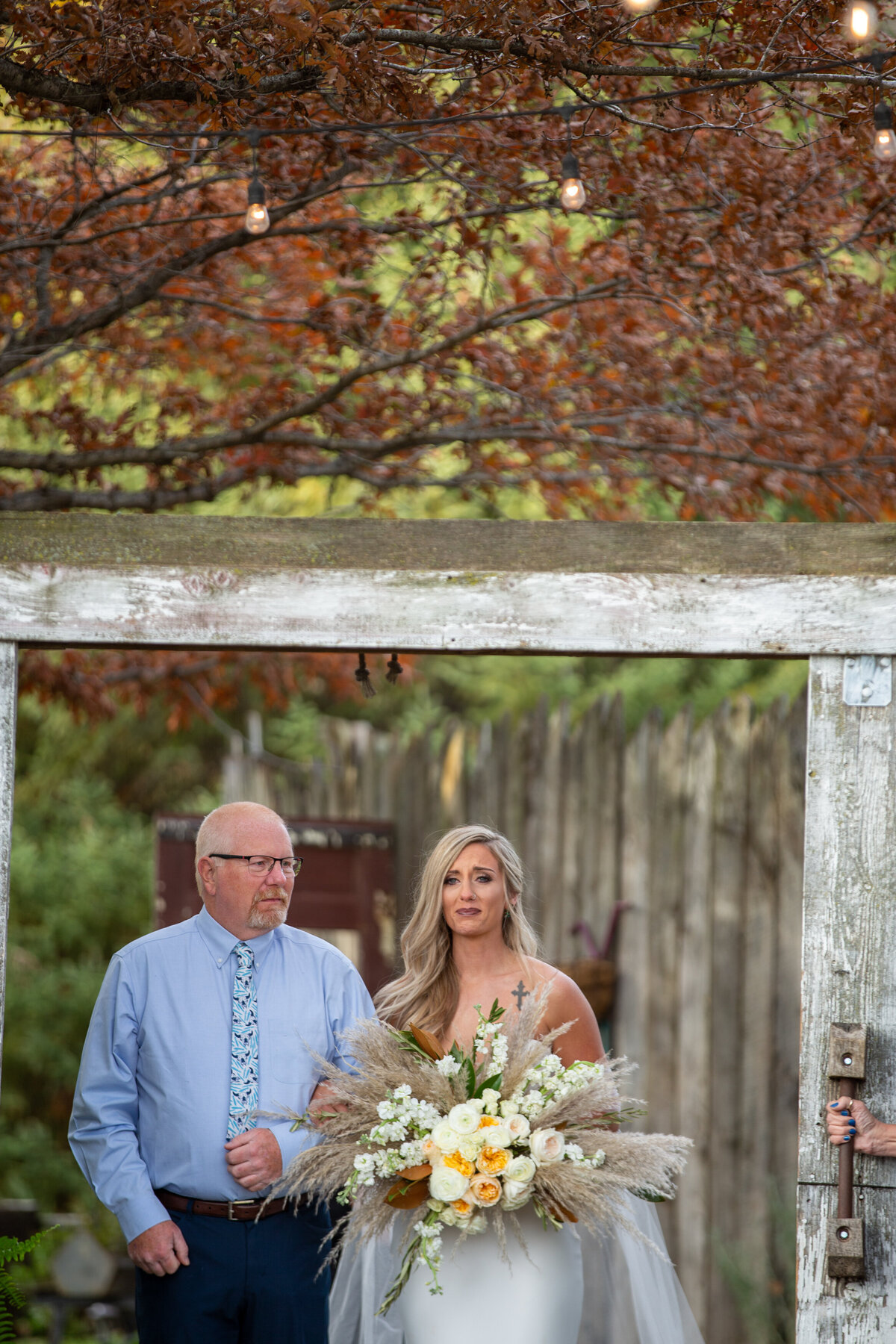 Barnes-place-des-monines-iowa-rustic-wedding-photo-ideasPhoto-107