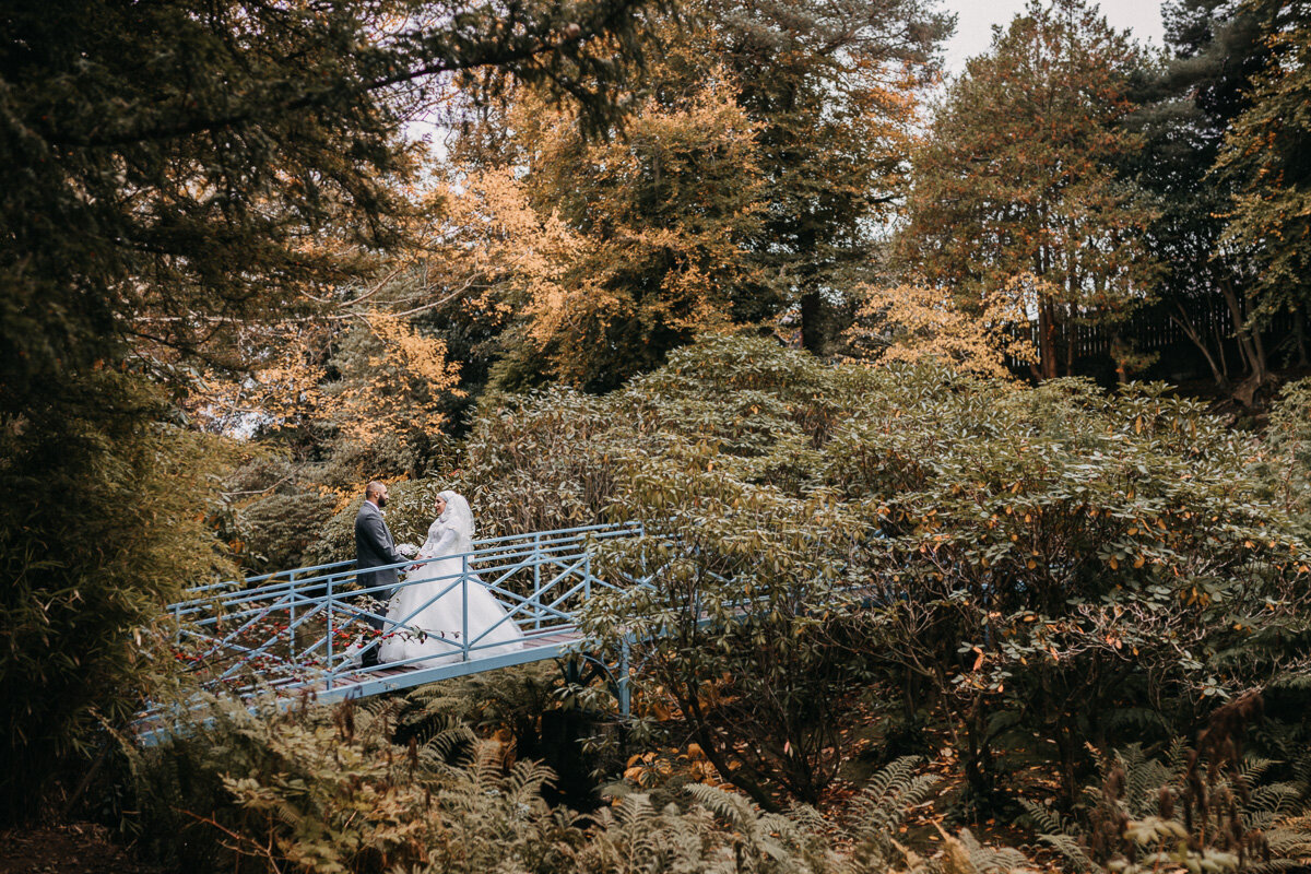Johnston_Gardens_Bridge_Bridal_Wedding_Portrait