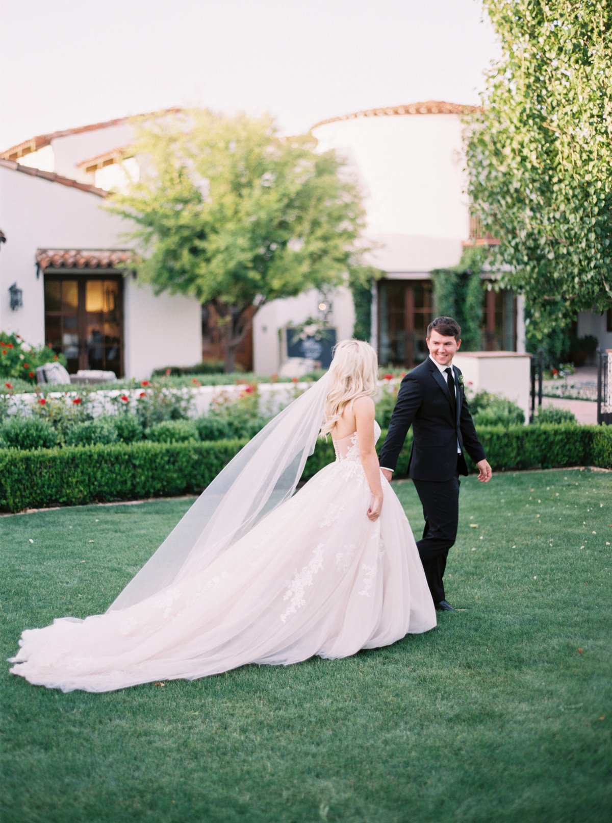 Kendall & Joe | Paradise Valley, Arizona | Mary Claire Photography | Arizona & Destination Fine Art Wedding Photographer