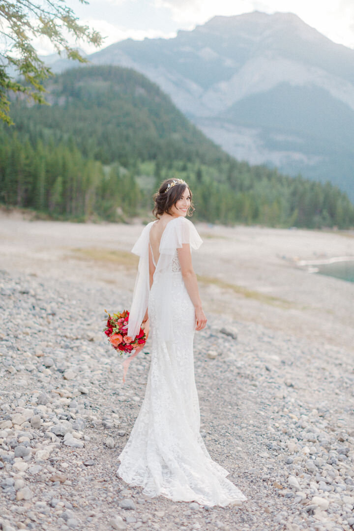 Junophoto_barrier_lake_elopement_banff-006