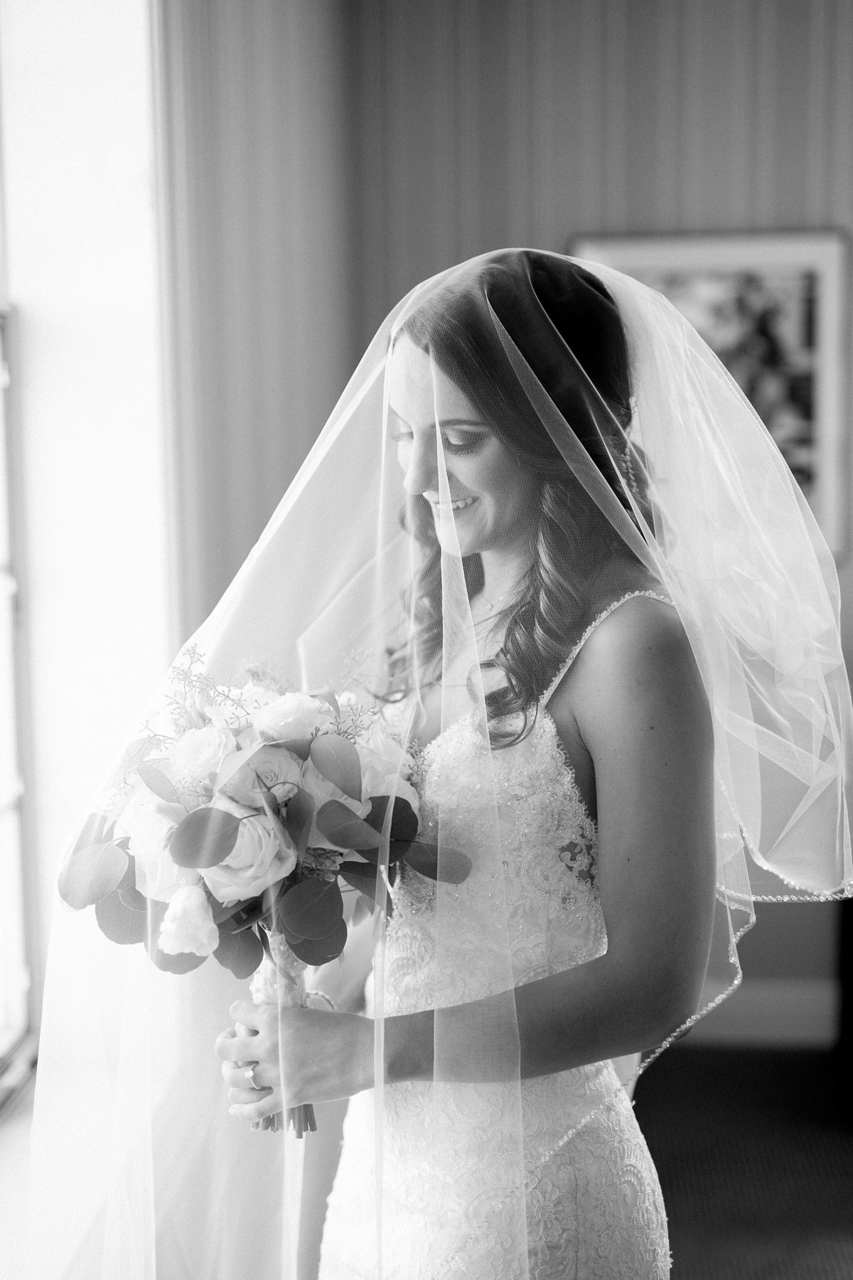 Shuster-Wedding-Grosse-Pointe-War-Memorial-Breanne-Rochelle-Photography26