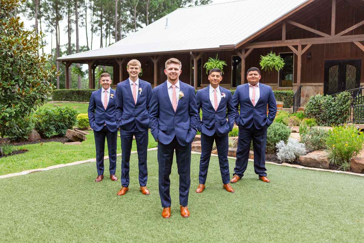 Groomsmen Pictures in Flying V Formation