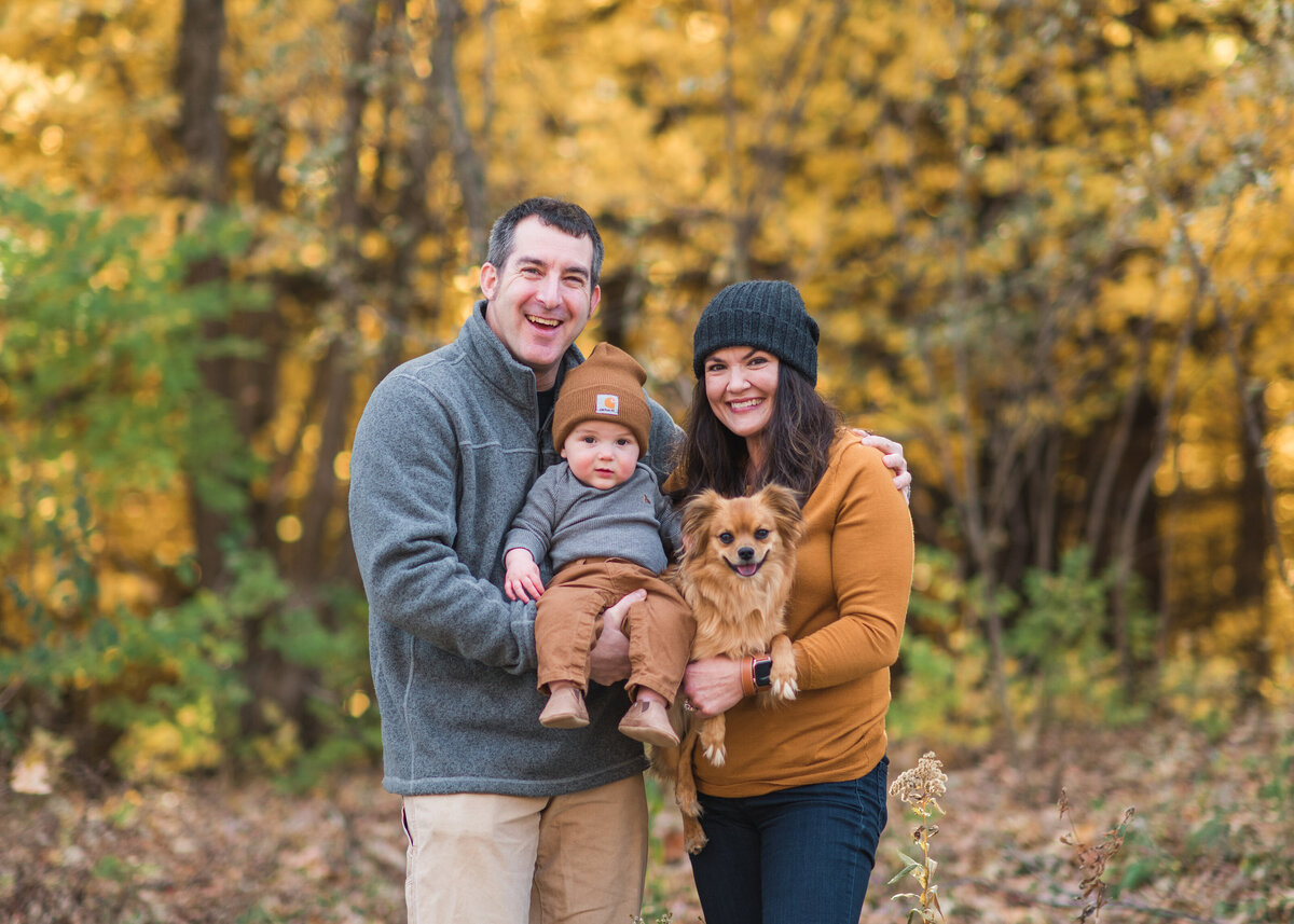 Des-Moines-Iowa-Family-Photographer-Theresa-Schumacher-Photography-Fall-Dogs