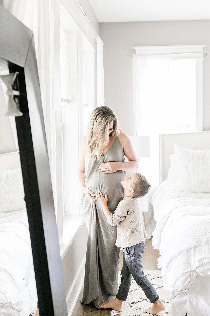 Mount-Pleasant-Maternity-Session-In-Home-Lifestyle_0030
