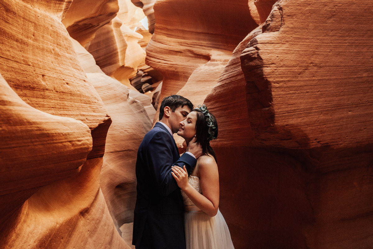 Horseshoe-Bend-Antelope-Canyon-Boho-Elopement-35