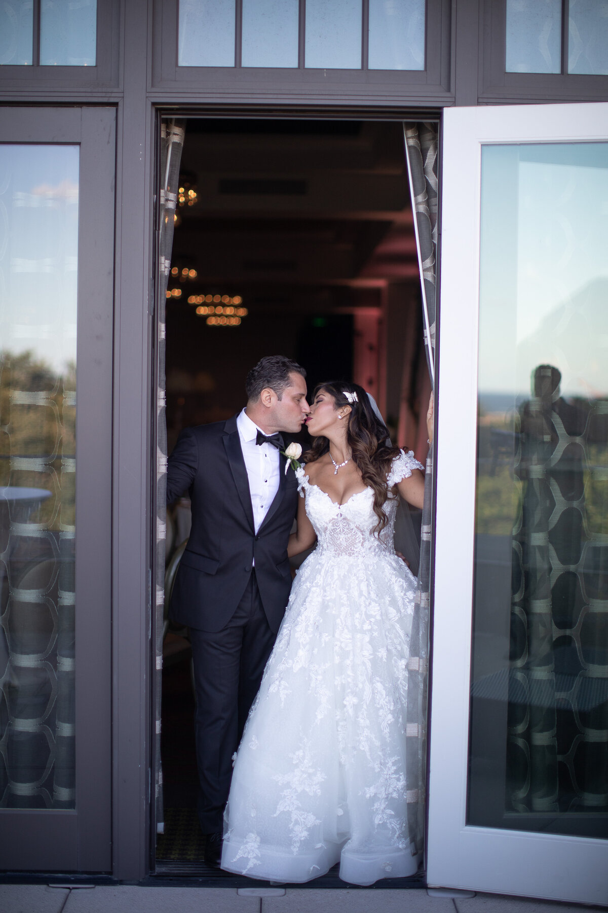 2018-Mandy-rich-Wedding-by-Djamel-Wedding-Photographer-585