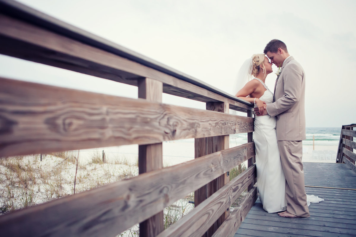 wedding couple sandestin beach resort