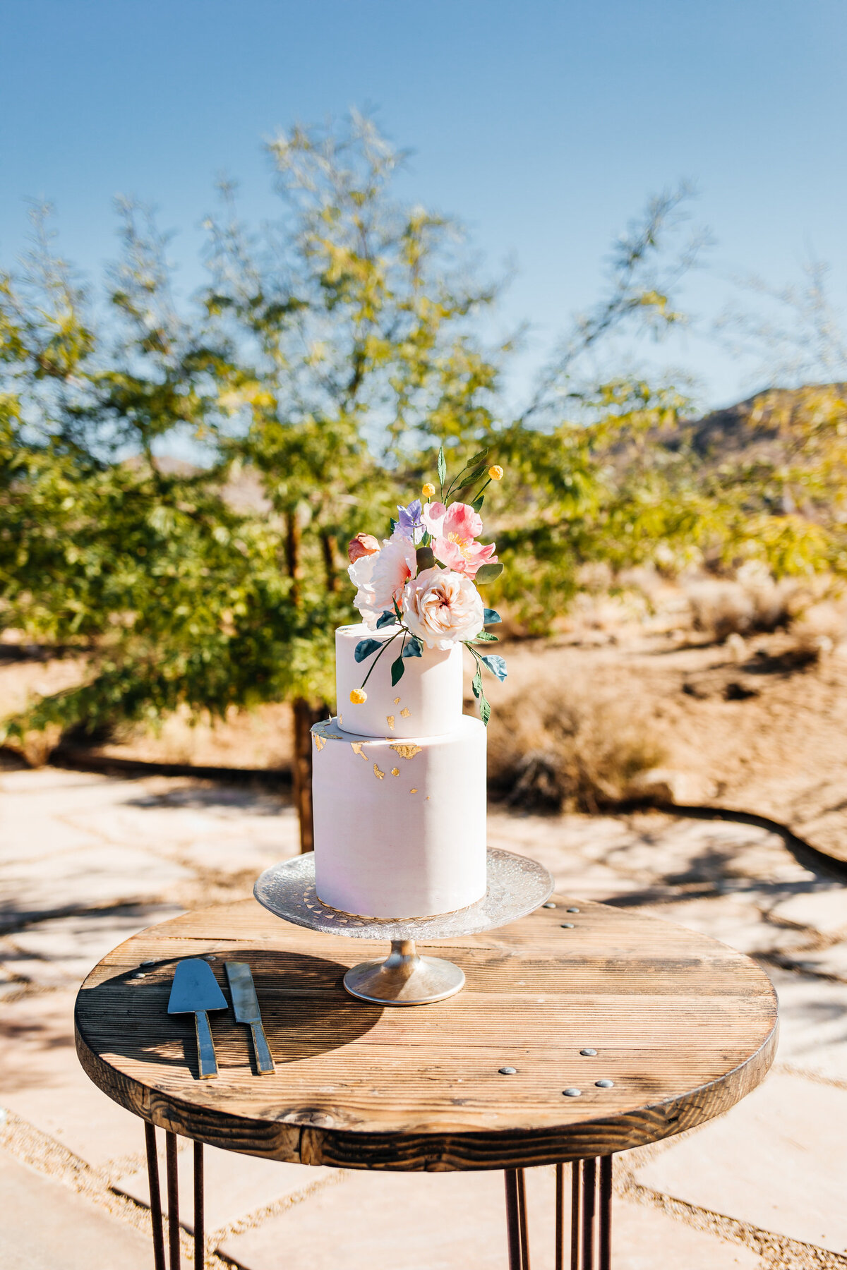 colorful-joshua-tree-elopement-inspiration-joshua-tree-wedding-photographer-palm-springs-wedding-photographer-erin-marton-photography-5