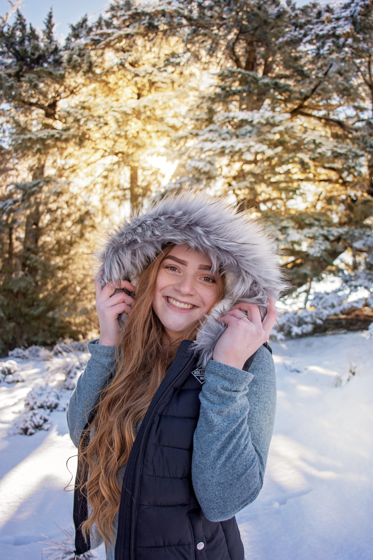 Redway-California-senior-portrait-photographer-Parky's-Pics-Photography-Humboldt-County-Snow-session-Mountain-top-Monument-Mountain-Rio-Dell-CA-10.jpg