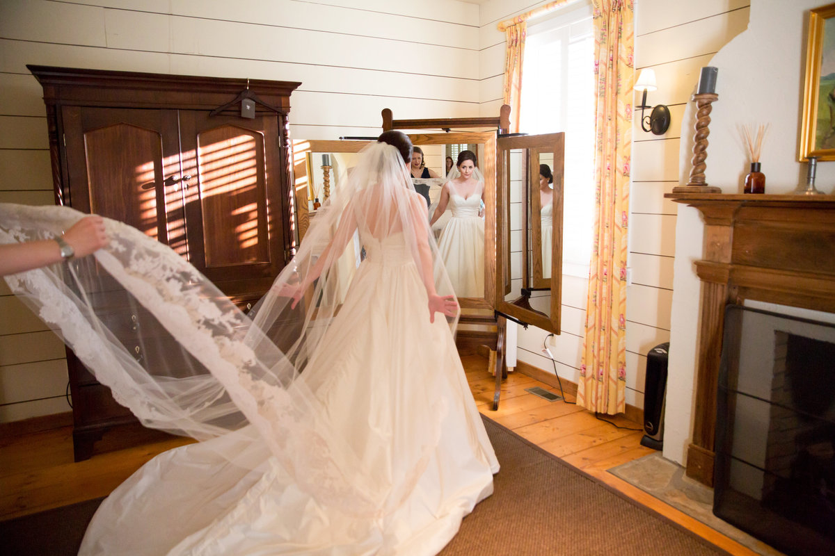 0014_Old-Edwards-Inn-Highlands-NC-Winter-Wedding