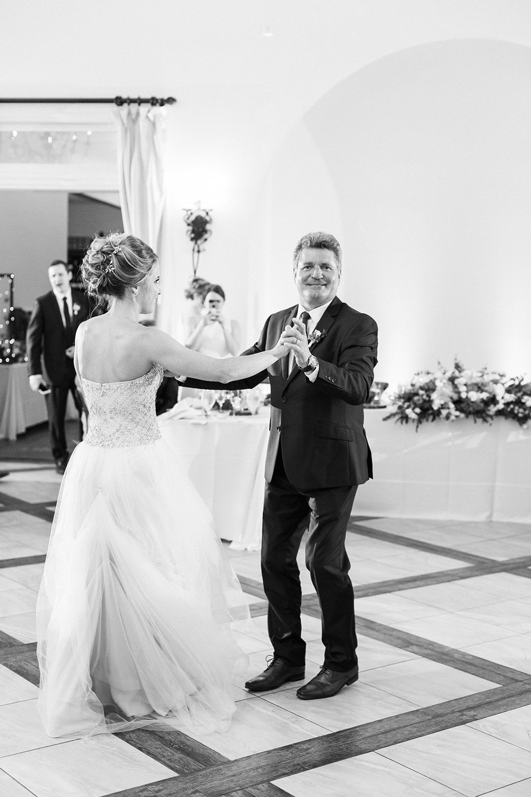 100_Avensole_Wedding_Photography_Dance