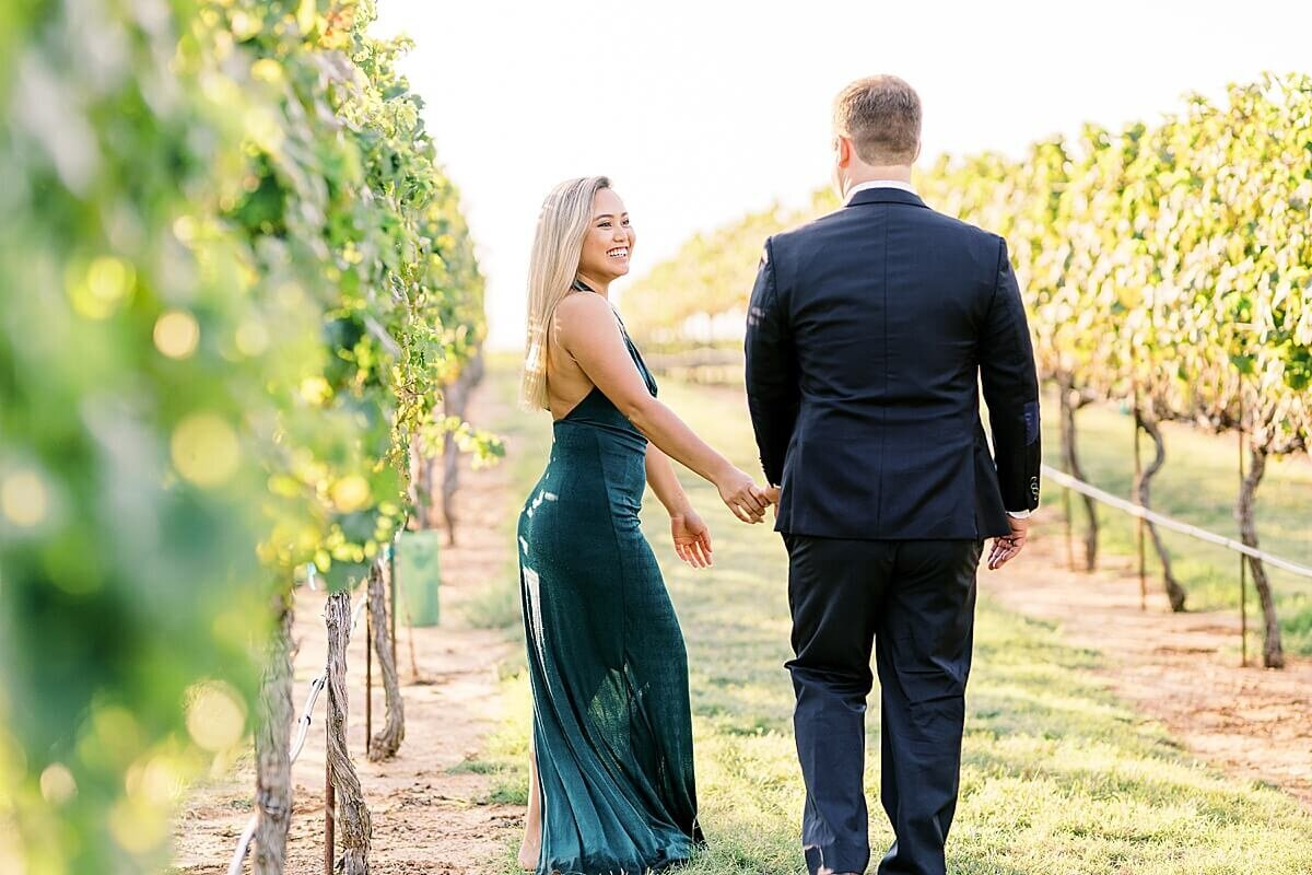 Texas-Hill-Country-Vineyard-Engagement-Portrait-Session-Alicia-Yarrish-Photography_0082
