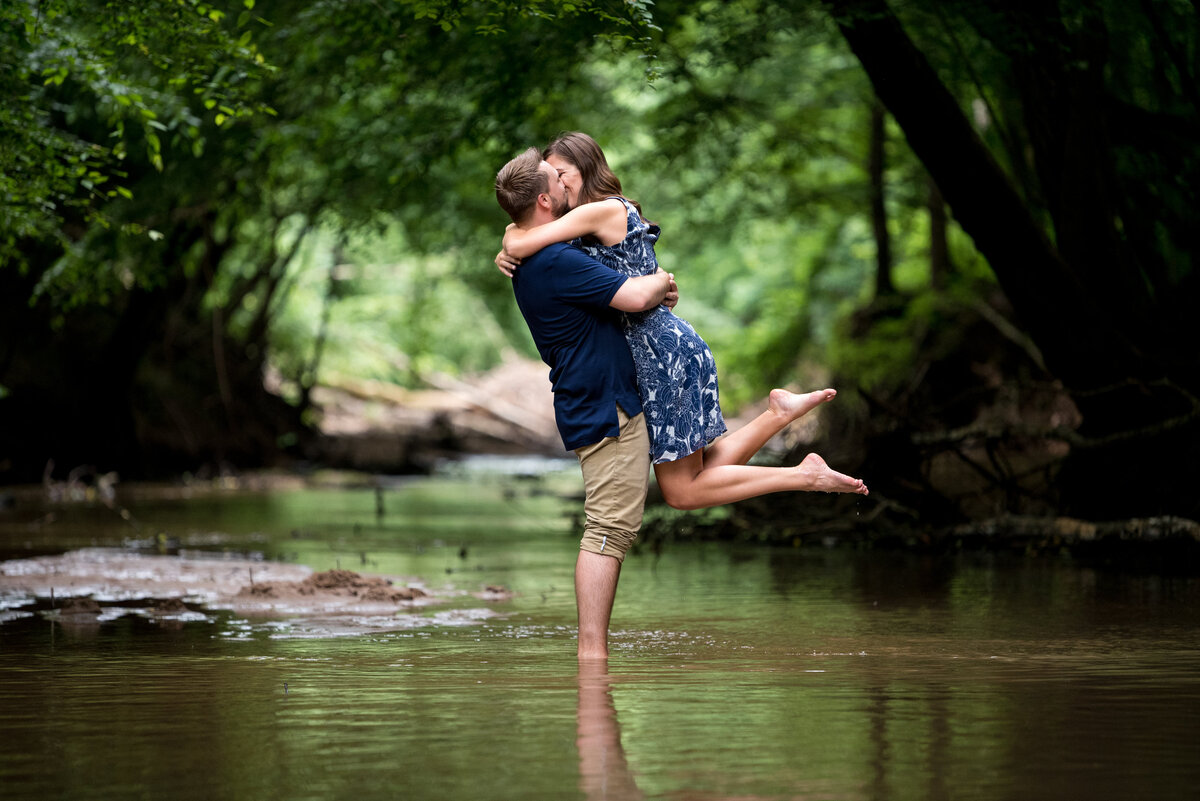 engagement-shoot-in-stream