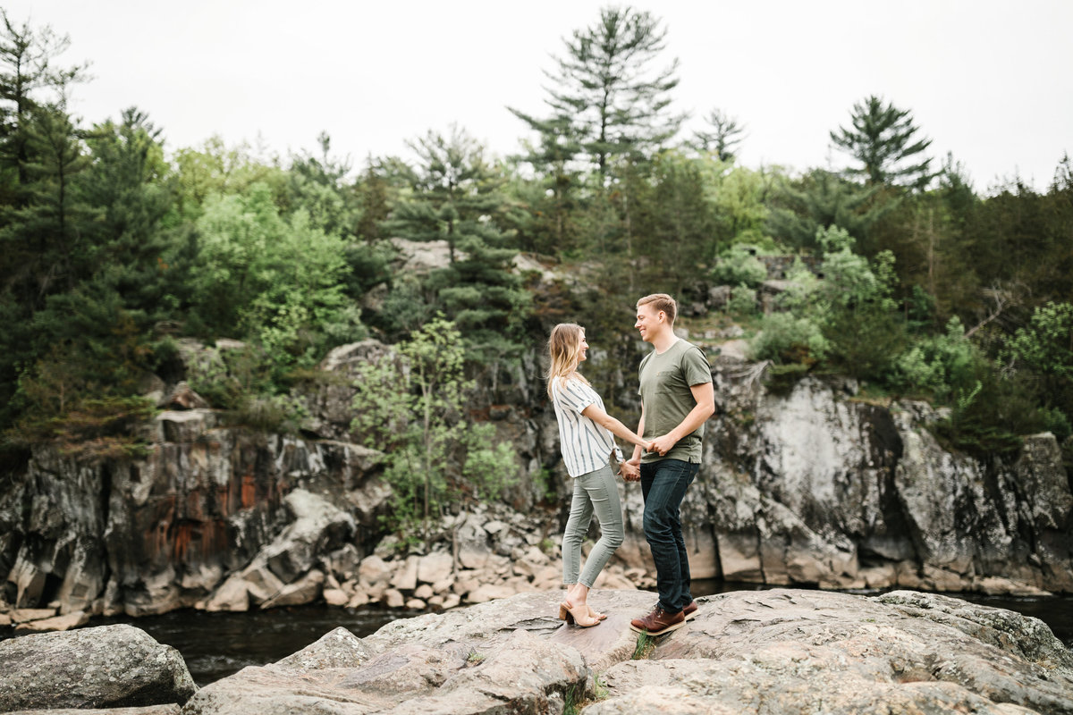 Taylors-Falls-Minneapolis-Spring-Engagement-8