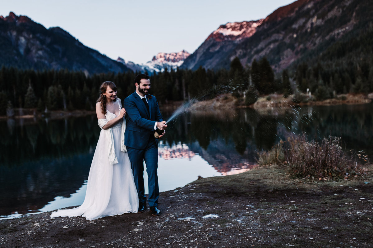 Oregon_elopement_Gold_Creek_pond_Adventure_wedding_photography (568 of 793)