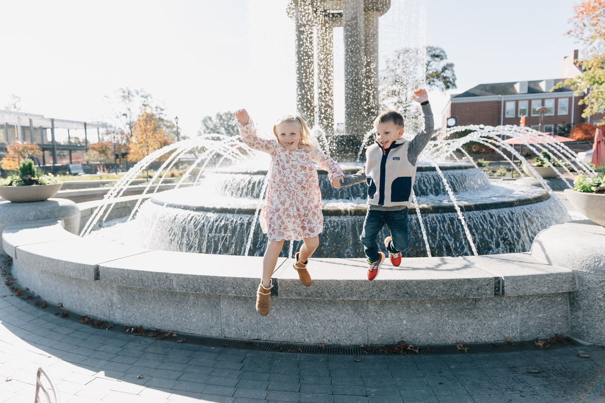 family-photos-in-downtown-cary-NC-4548