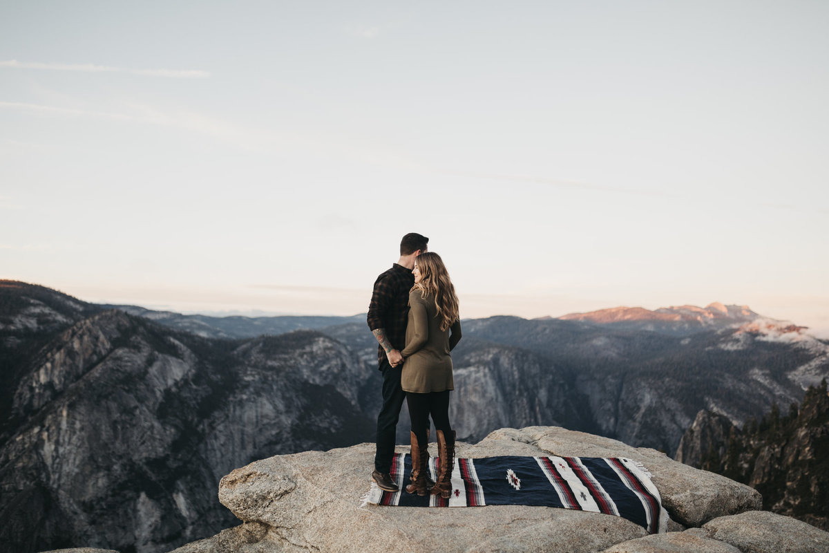athena-and-camron-how-to-elope-in-yosemite-valley-taft-point50