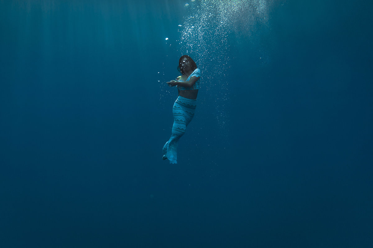 Underwater Trash the Dress Portraits-20