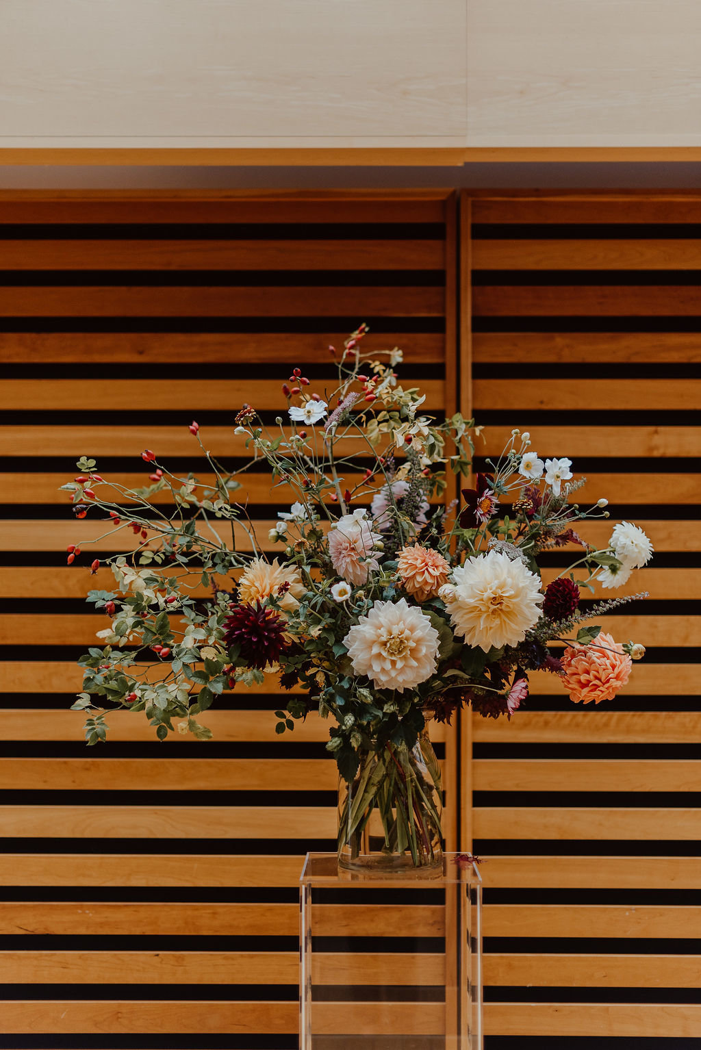 Jessilynn_Wong_Photography_Toronto_Reference_Library_Wedding-34