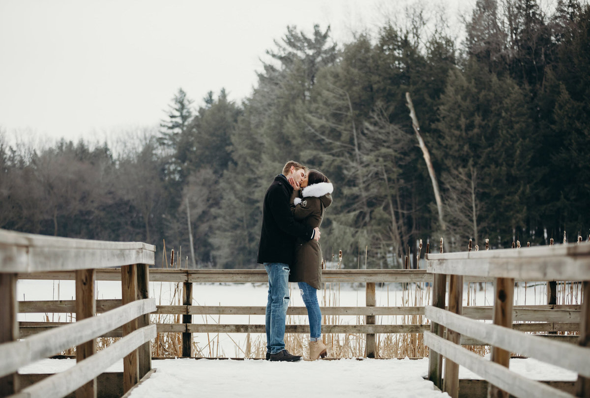 winter-engagement-photography-kitchener