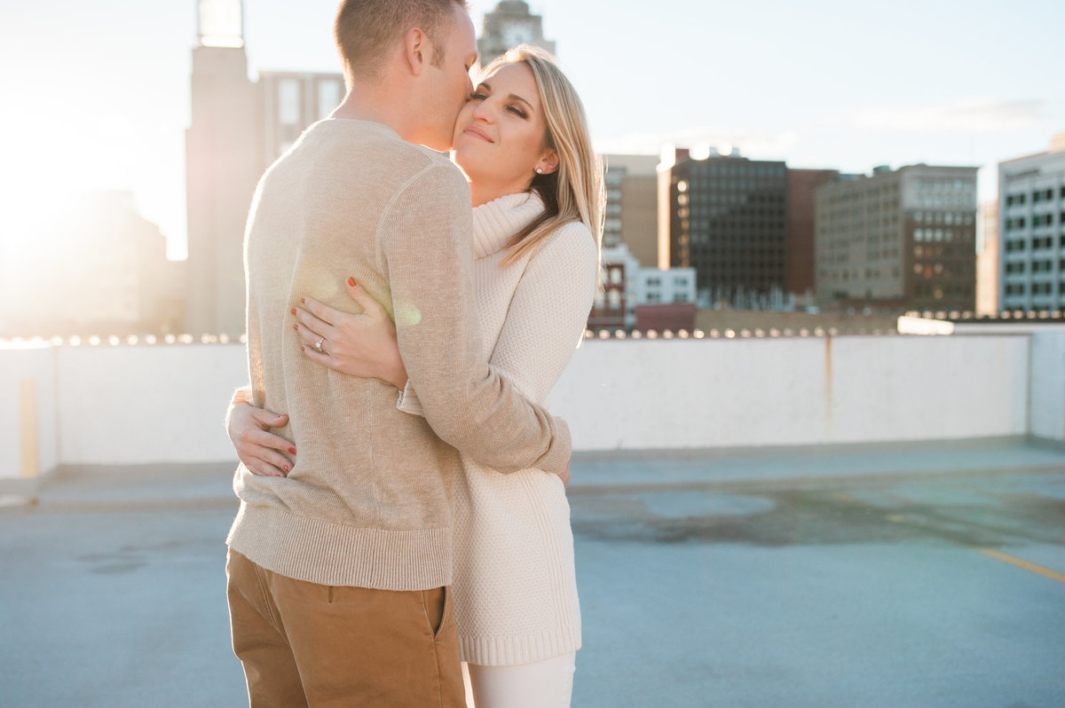 rooftop-engagement-photography