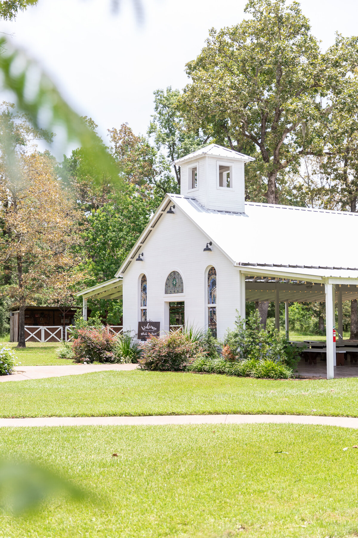 White Rustic Chapel in Conroe, TX