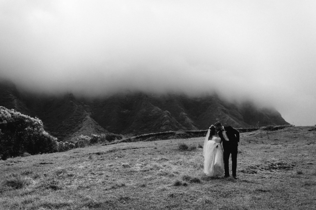 OAHU-HAWAII-WEDDING-KUALOA-RANCH-WEDDING-PHOTOGRAPHY-BY-MEGAN-SAUL-PHOTOGRAPHY-FIRST-LOOK-379