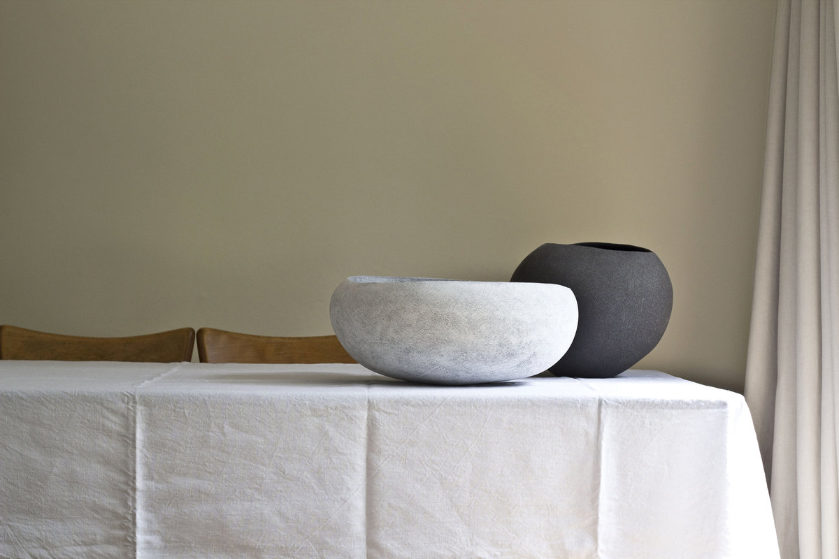 Yasha-Butler-Ceramic-Lithic-Vessel-Bowl-White-Brown-Black-07-2018-4937-3500px