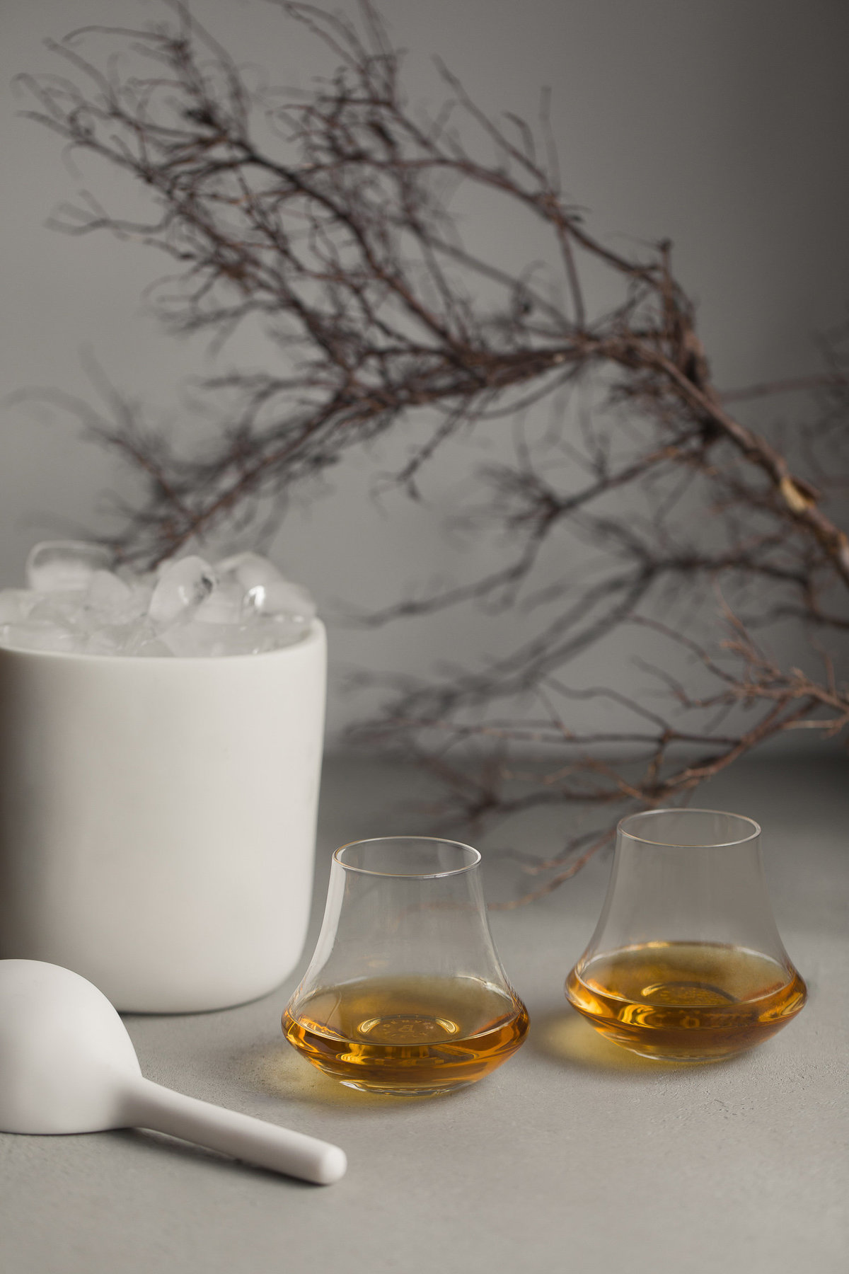 Tina Frey White Resin Ice Bucket - Gingerfinch Home - Anisa Sabet - Photographer-32