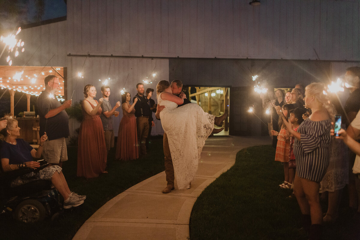 TobaccoBarnFarmWedding4