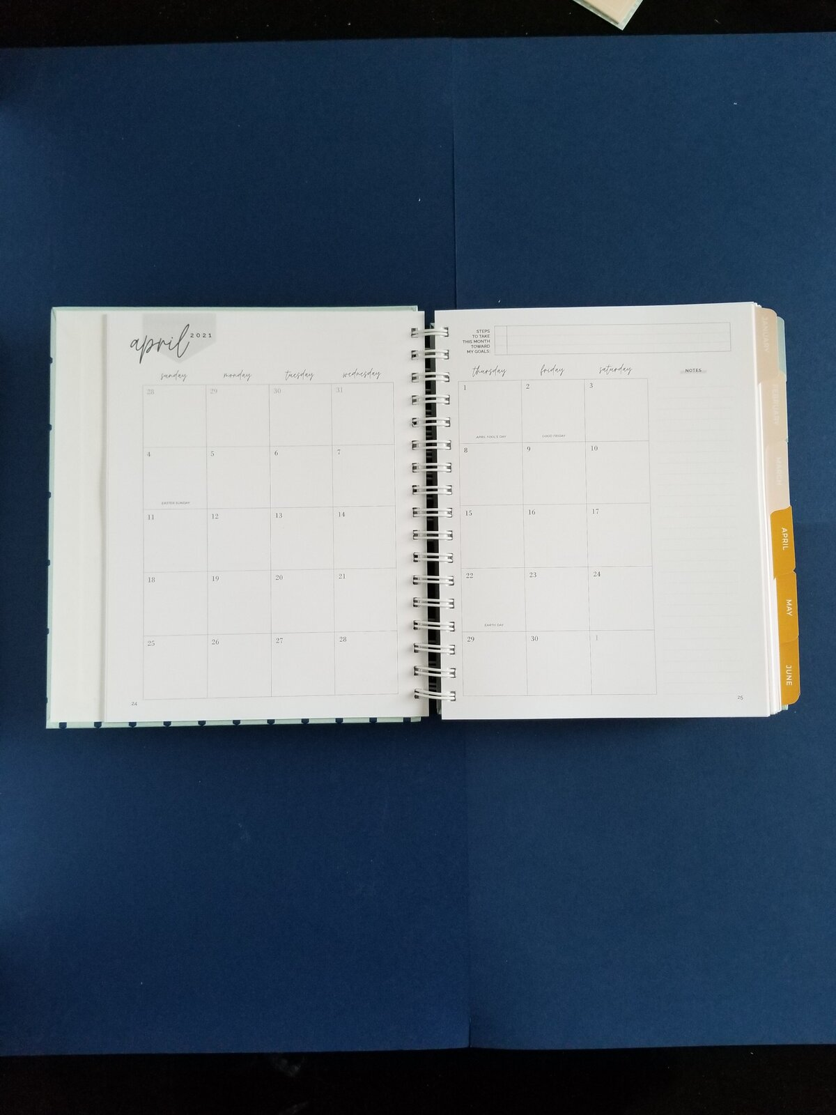 09 Monthly Spread