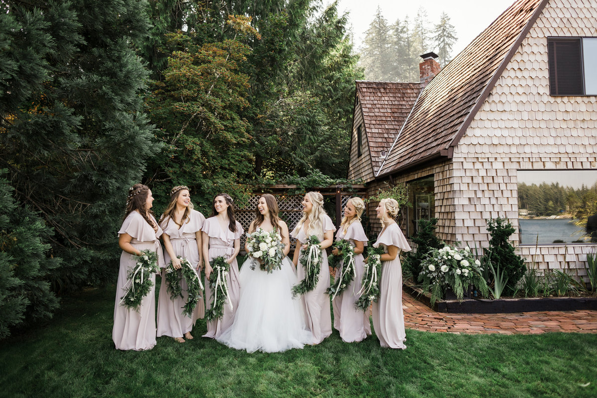 Seattle-Intimate-Backyard-Wedding-Seattle-Wedding-Photographer-36