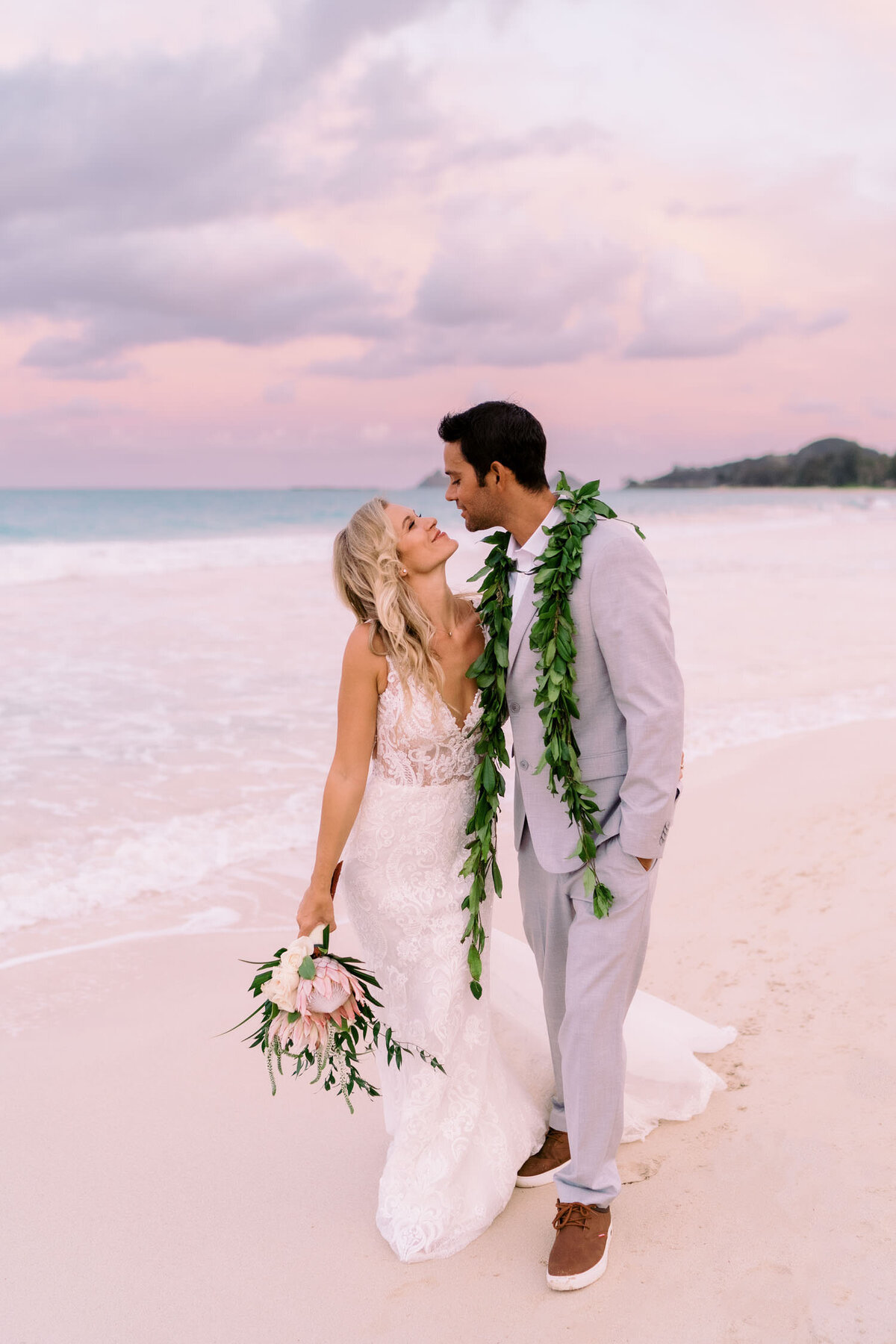 oahu-backyard-wedding-photographer-567