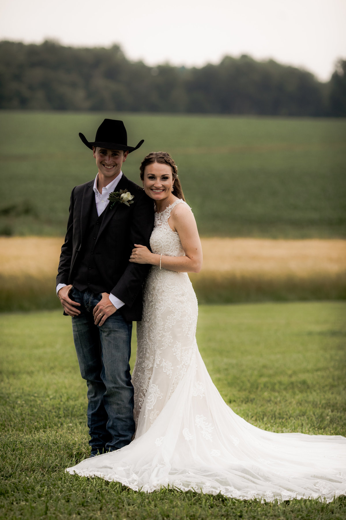 Nsshville Bride - Nashville Brides - The Hayloft Weddings - Tennessee Brides - Kentucky Brides - Southern Brides - Cowboys Wife - Cowboys Bride - Ranch Weddings - Cowboys and Belles064
