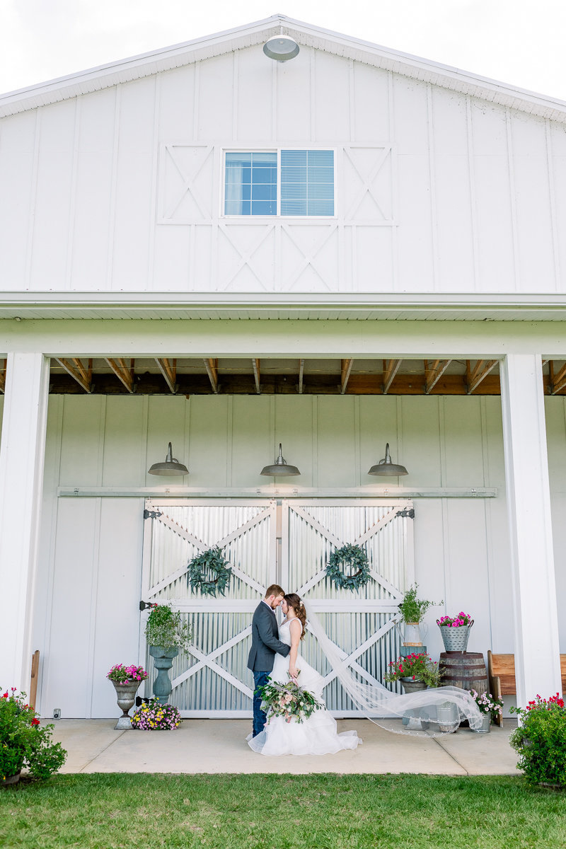 Covington Farm Wedding Photographer | Covington Farm Wedding Venue | Bride and Groom Photos-11