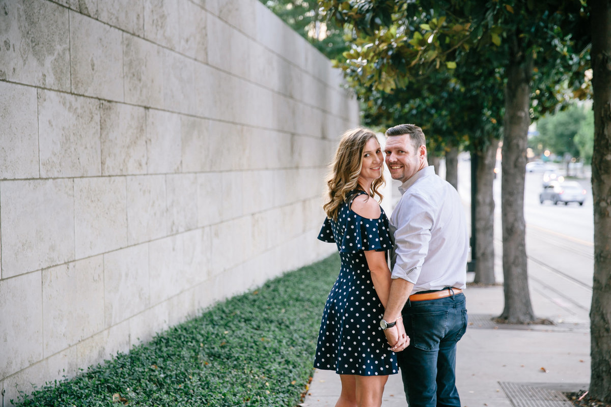 Downtown-Dallas-Winspear-Opera-engagement-session-by-wedding-photographer-Julia-Sharapova-31