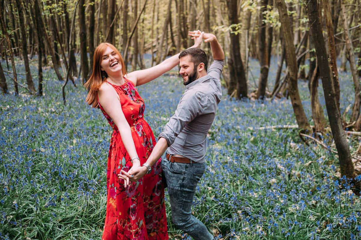 engagement-shoot-bluebells-45