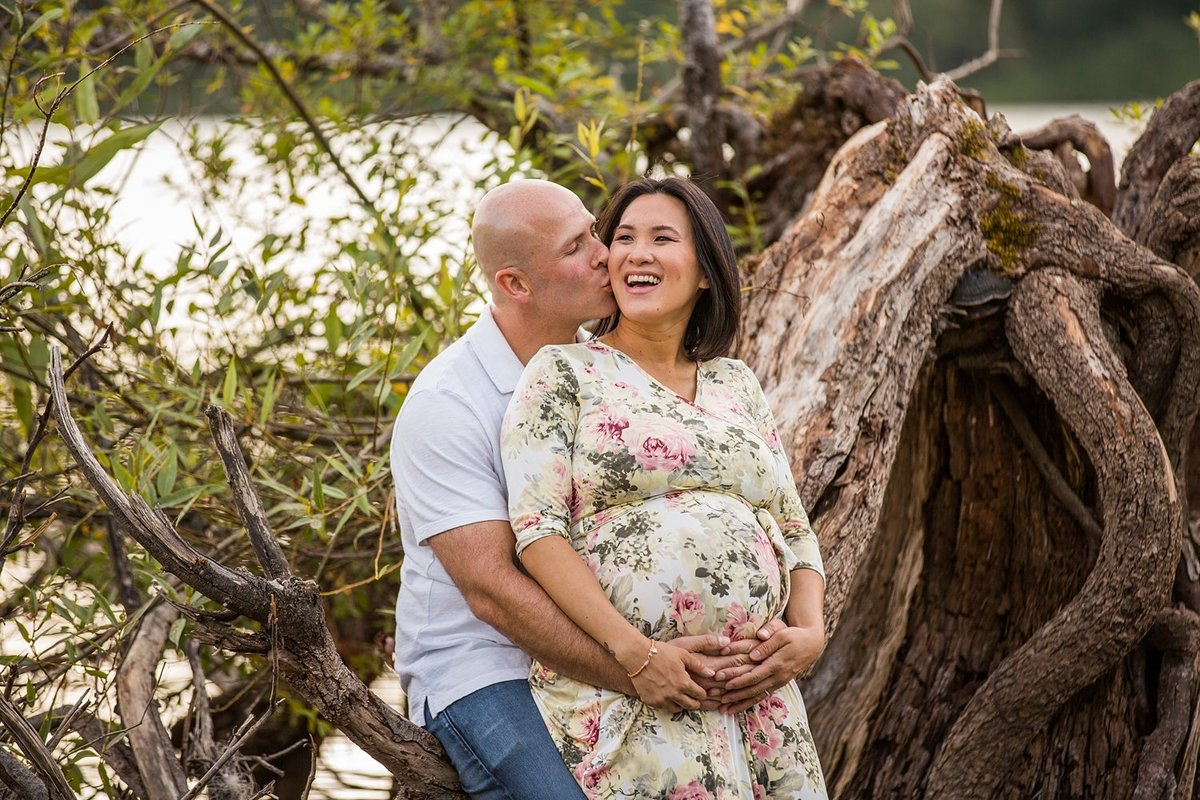 North-Bend-maternity-pictures-Rattlesnake-Lake (4)