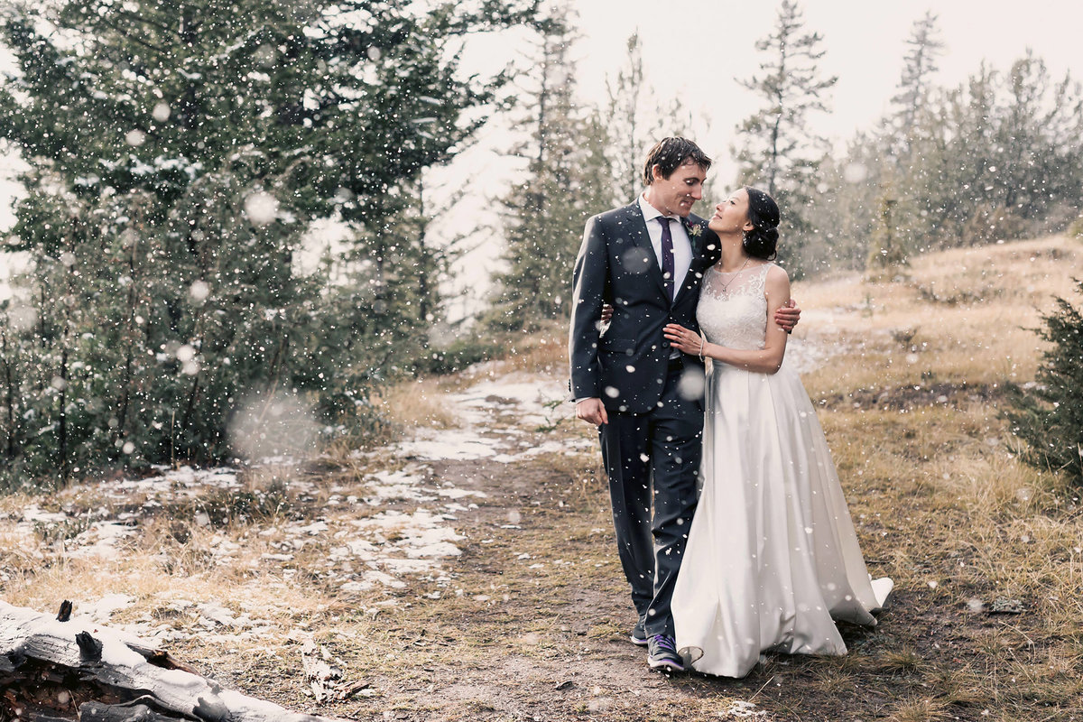 tunnel mountain autumn wedding photographer banff