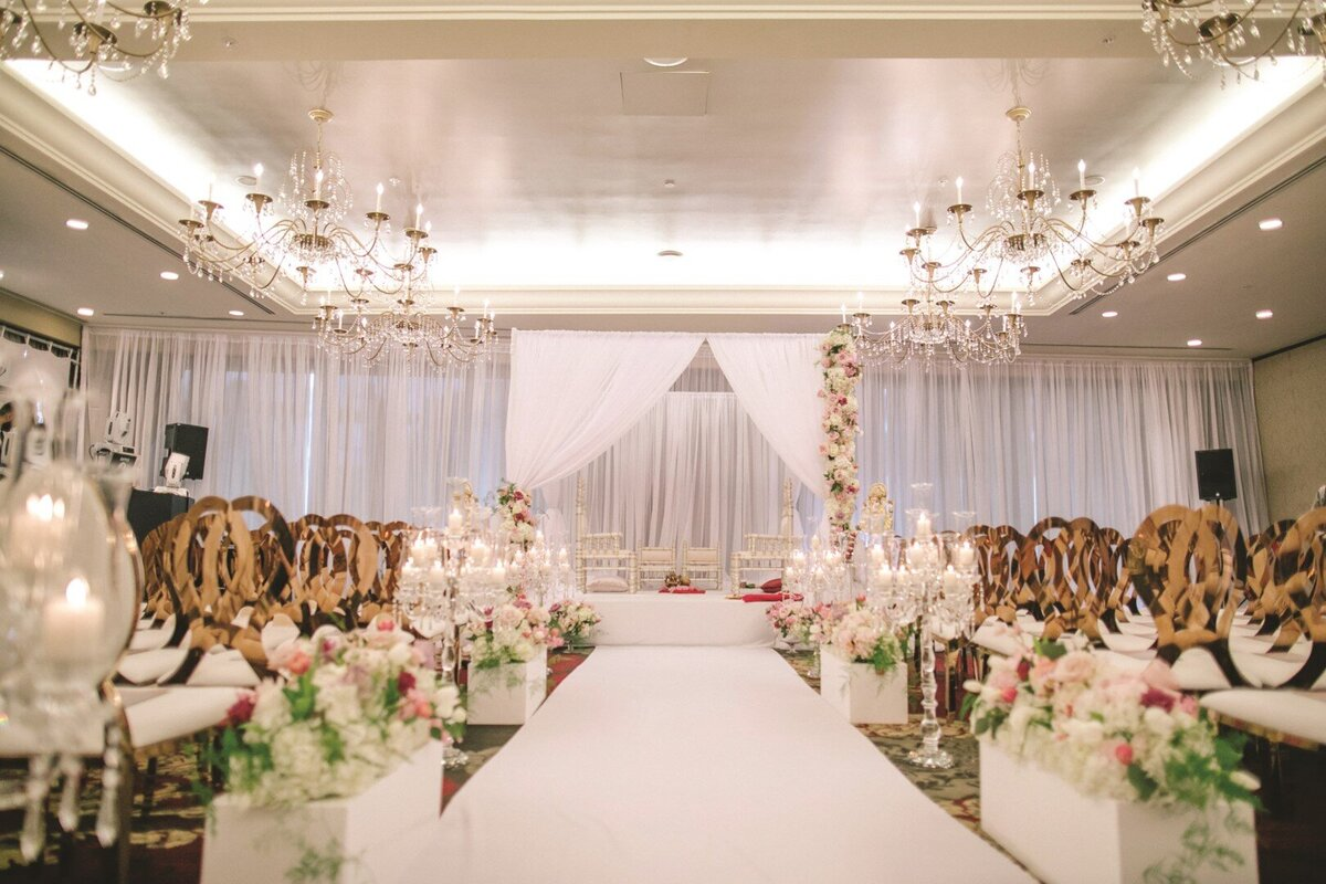 hindu-wedding-ceremony-white-blush-gold-mandap-2