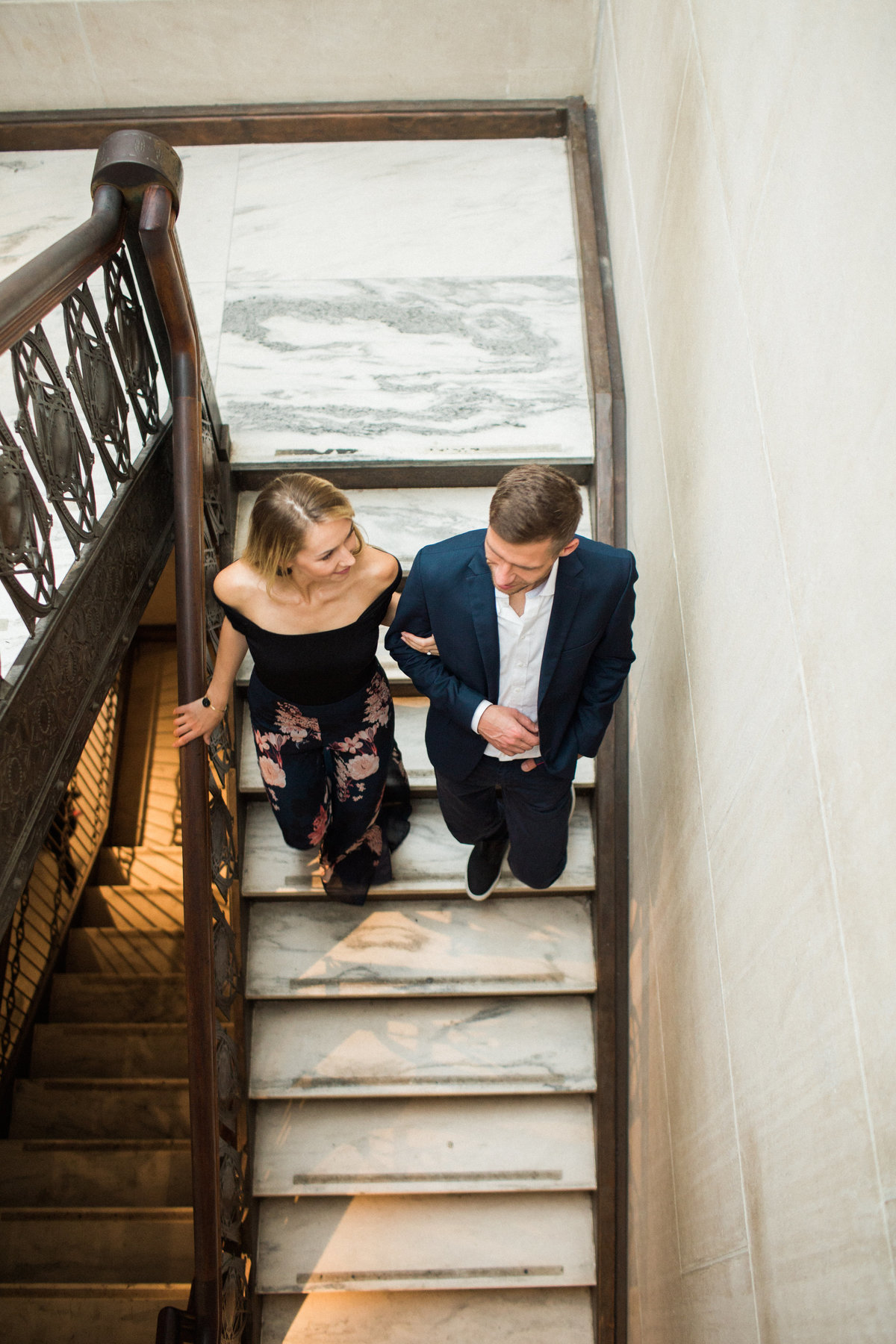 Metropolitan Museum - New York -couples session-couple walking down the stairs - natural light - light and airy