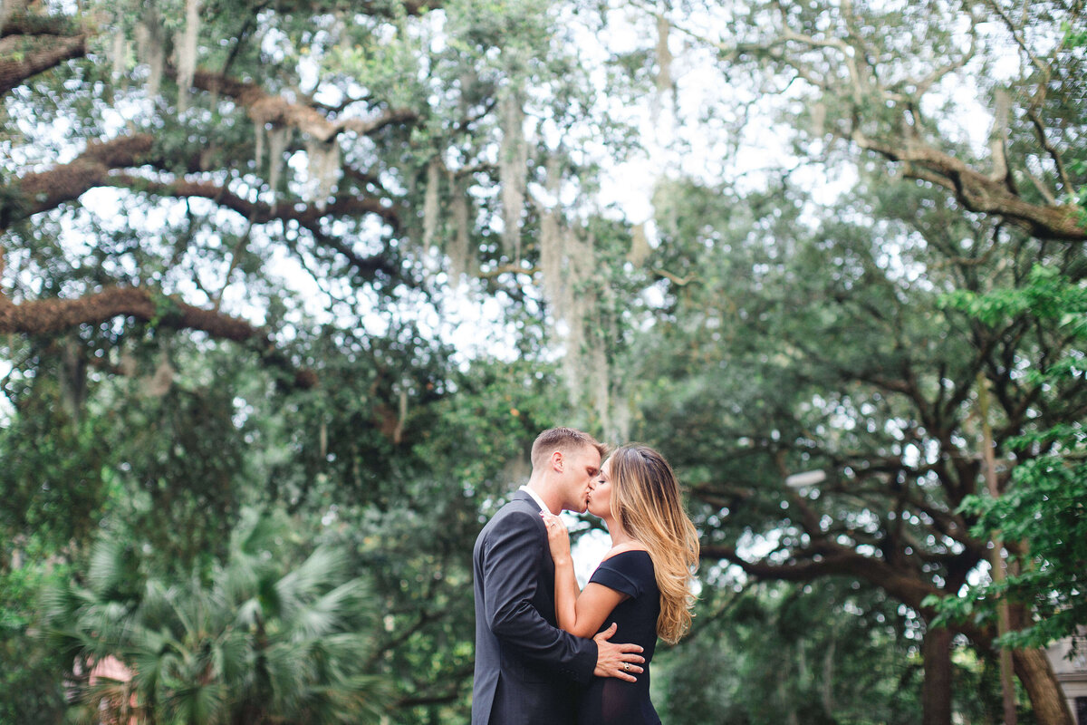Historic Savannah engagement session by Izzy and Co.