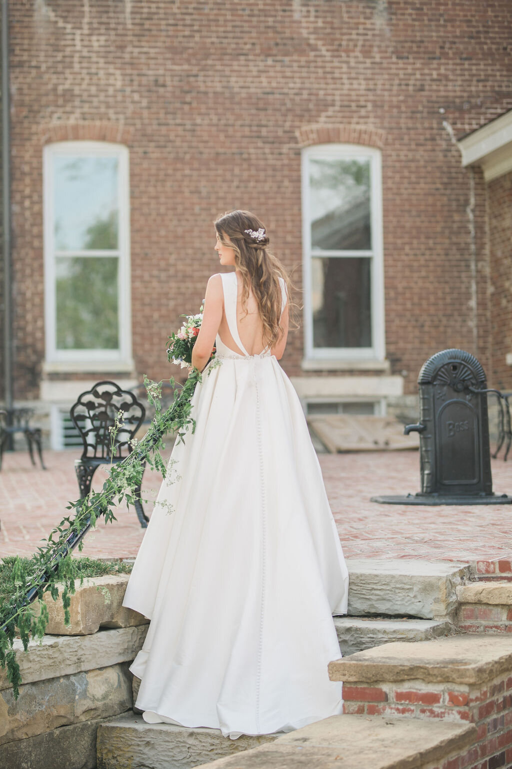 Lynwood Estate - Luxury Kentucky Wedding Venue - Fine Art Bride 00020