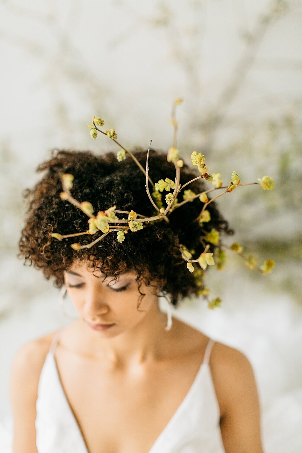leigh-and-mitchell-spring-bridal-shoot-forsynthia-flower-crown-inspiration